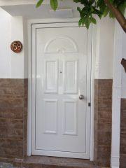 Πόρτα εισοδου αλουμινίου ALUMIL M9400 με πάνελ προσφορά!!!
